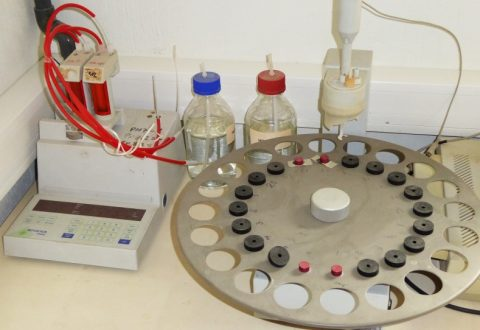 Mettler DL25 automatic titrator
