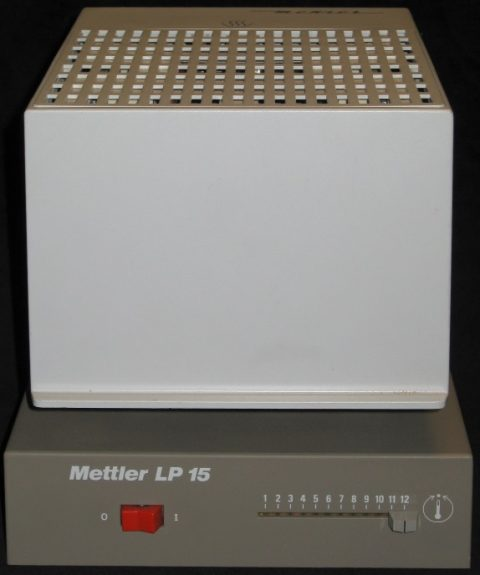 Mettler LP 15 drying attachment, closed.Connect to a precision balance to get a moisture value for a powder